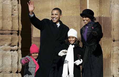 Barack Obama with wife & daughters Malia Ann & Natasha