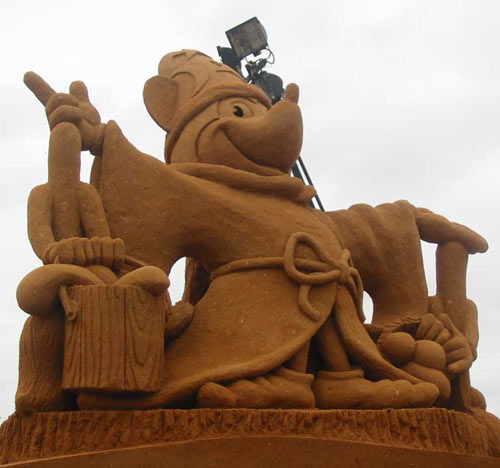 sand sculpture - Mickey Mouse