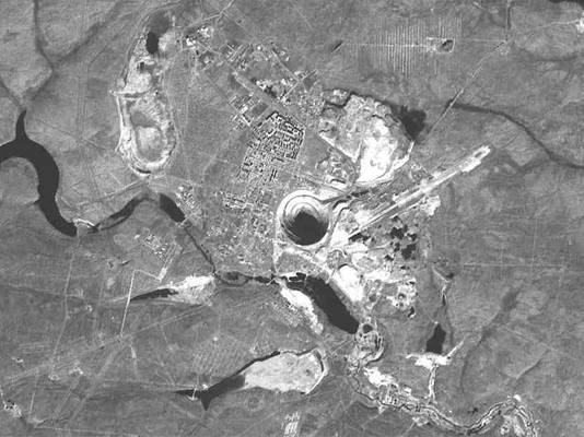 Udachnaya pipe satellite view