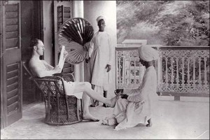 British gets a pedicure from Indian